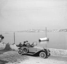 conrad voiture bord mer